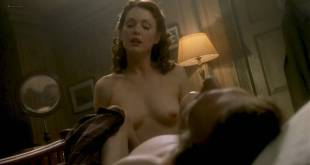 Julianne Moore nude topless and sex - The End of the Affair (1999) HD 720p WEB (7)