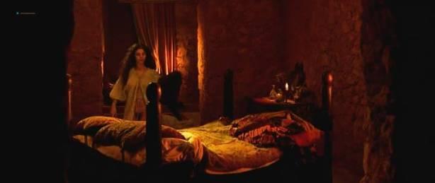 Maribel Verdú nude bush Candela Peña nude sex Penelope Cruz hot - La Celestina (ES-1996) (14)