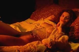 Maribel Verdú nude bush Candela Peña nude sex Penelope Cruz hot – La Celestina (ES-1996)