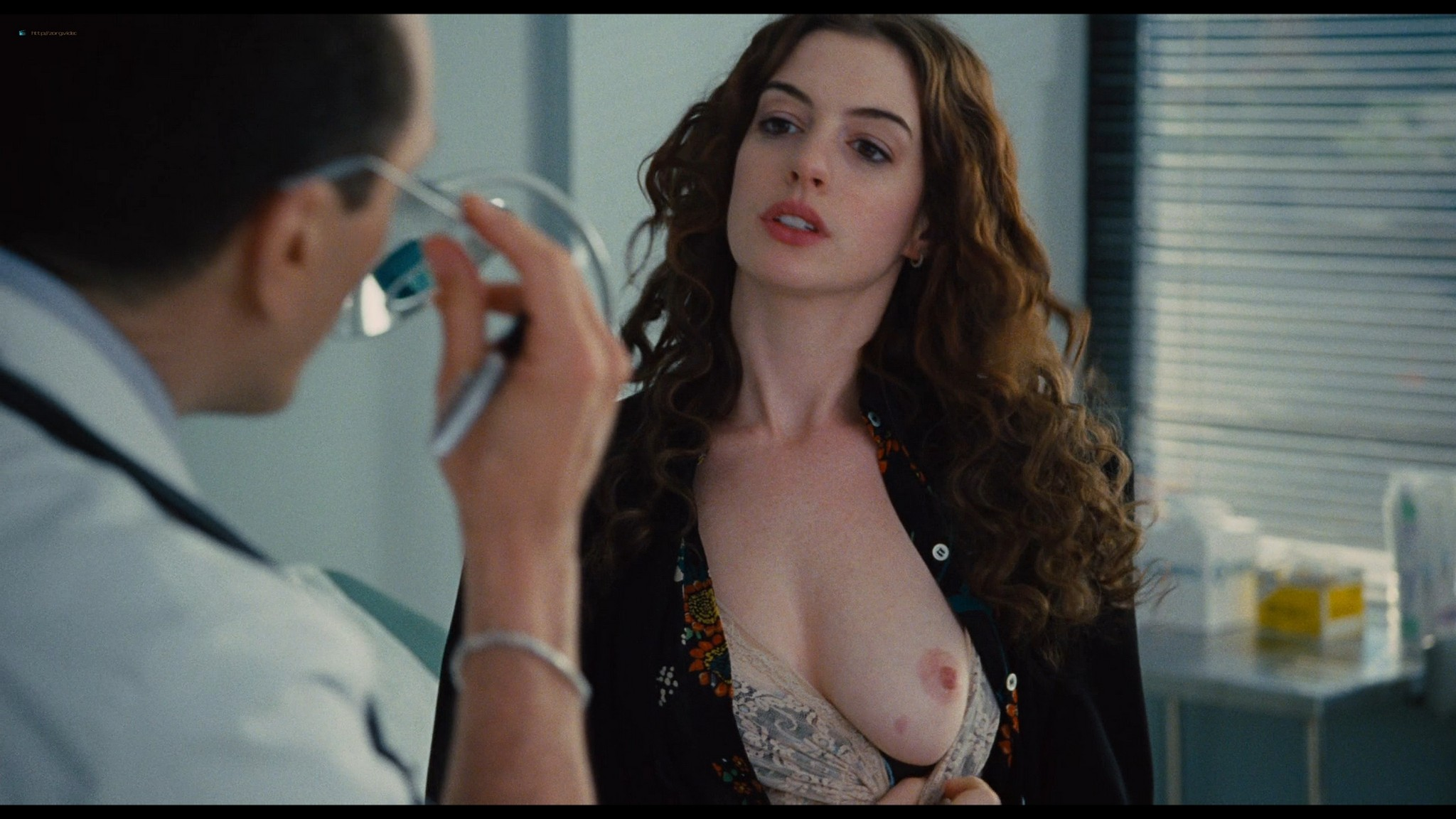 Anne Hathaway nude sex, Katheryn Winnick hot - Love and other drugs (2010) HD 1080p BluRay (22)
