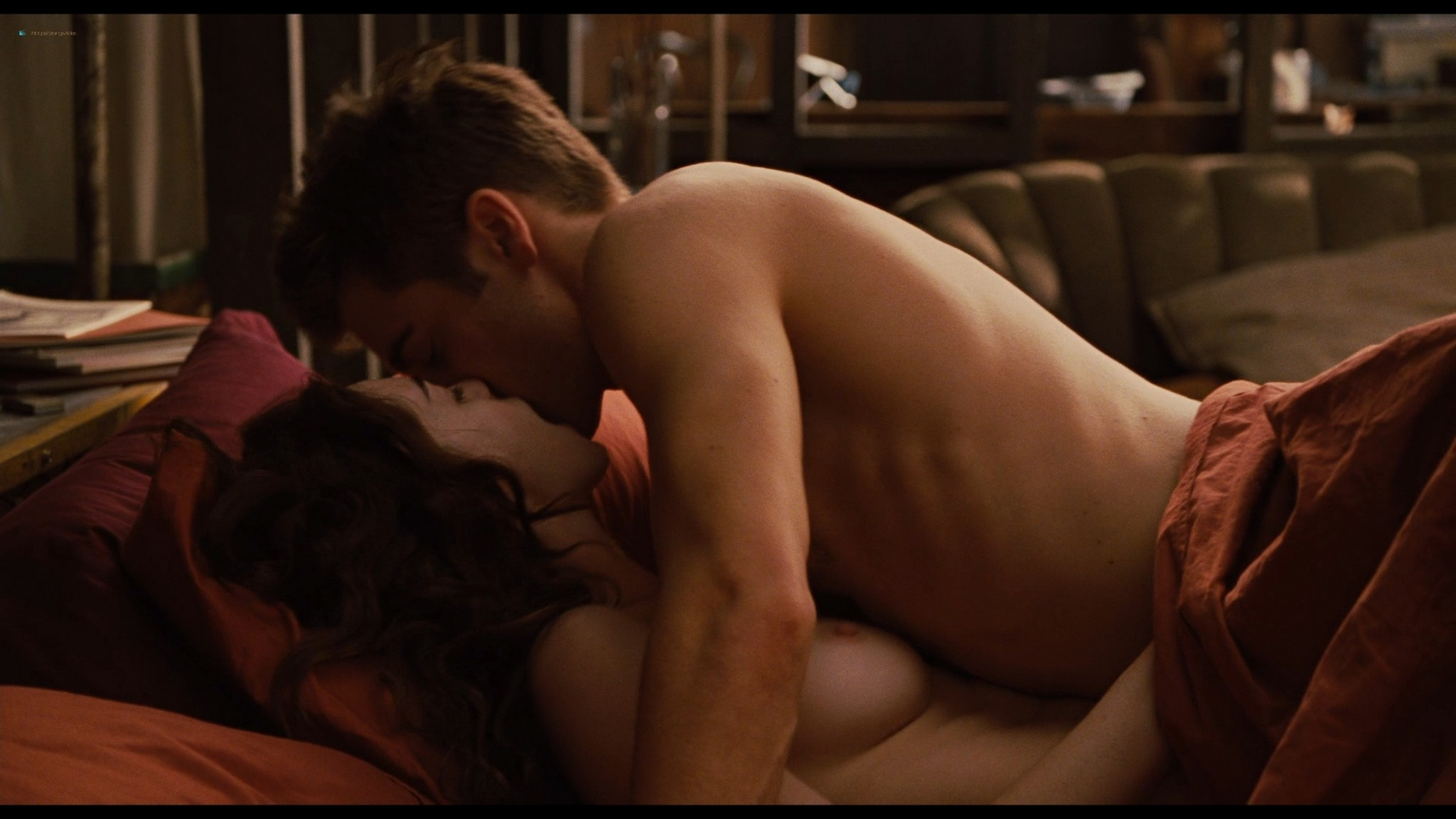 Anne Hathaway nude sex, Katheryn Winnick hot - Love and other drugs (2010) HD 1080p BluRay (11)