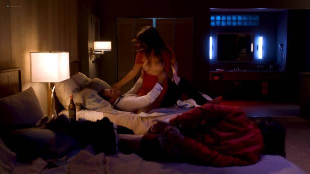 Davie-Blue nude topless - Room 104 (2017) s1e2 HD 1080p Web (8)