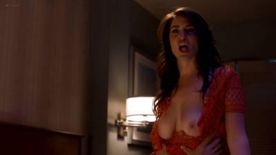 Davie-Blue nude topless - Room 104 (2017) s1e2 HD 1080p Web (4)