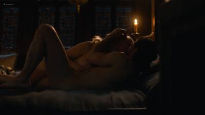 Emilia Clarke nude nip slip in brief sex scene - Game of Thrones (2017) s7e7 HD 1080p (7)