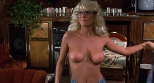 Michelle Pfeiffer nude butt Sue Bowser and other's nude topless - Into the Night (1985) HD 1080p BluRay (17)