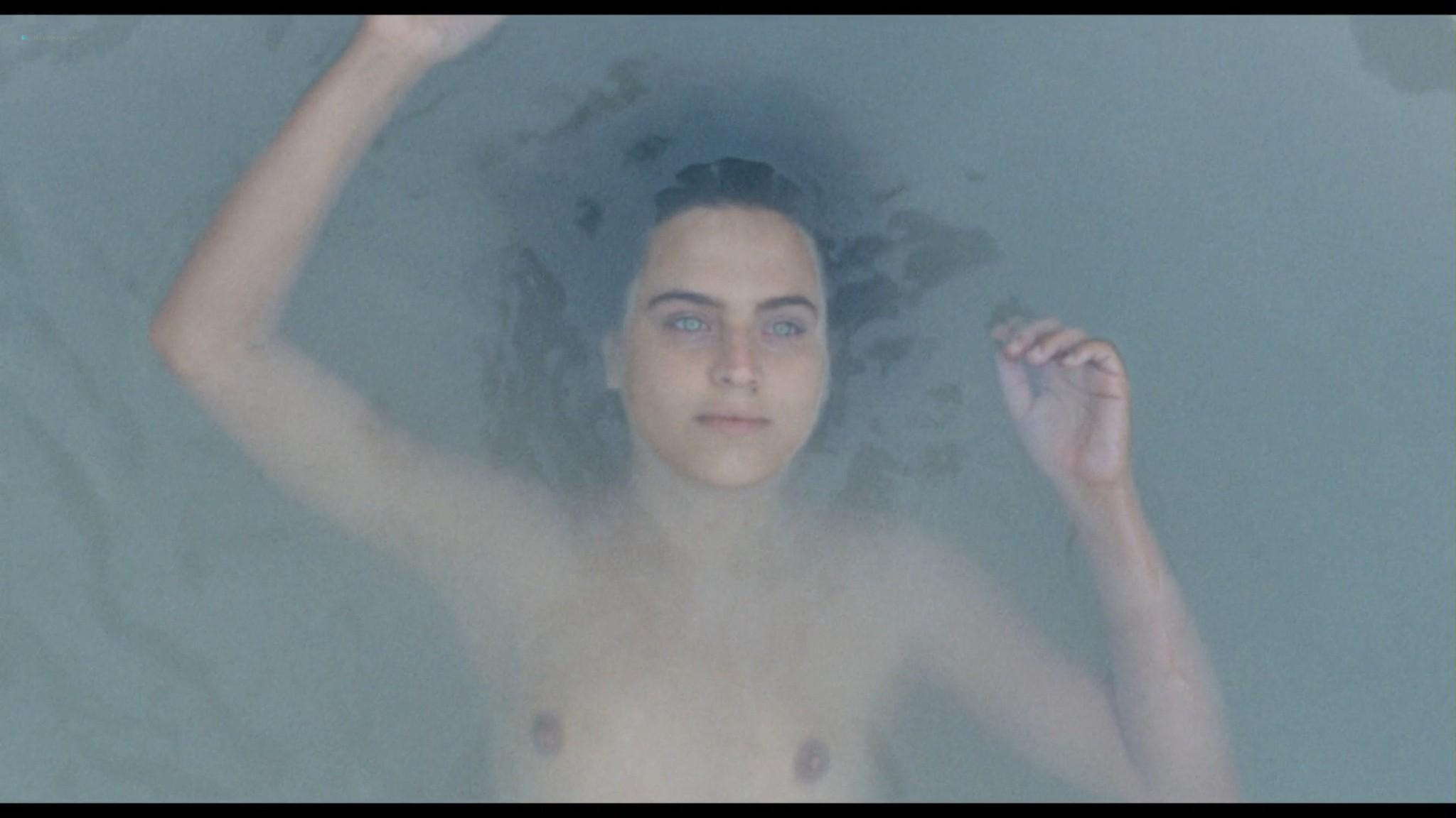 Ondina Quadri nude full frontal and sex Valentina Carnelutti nude - Arianna (IT-2015) HD 1080p Web (20)