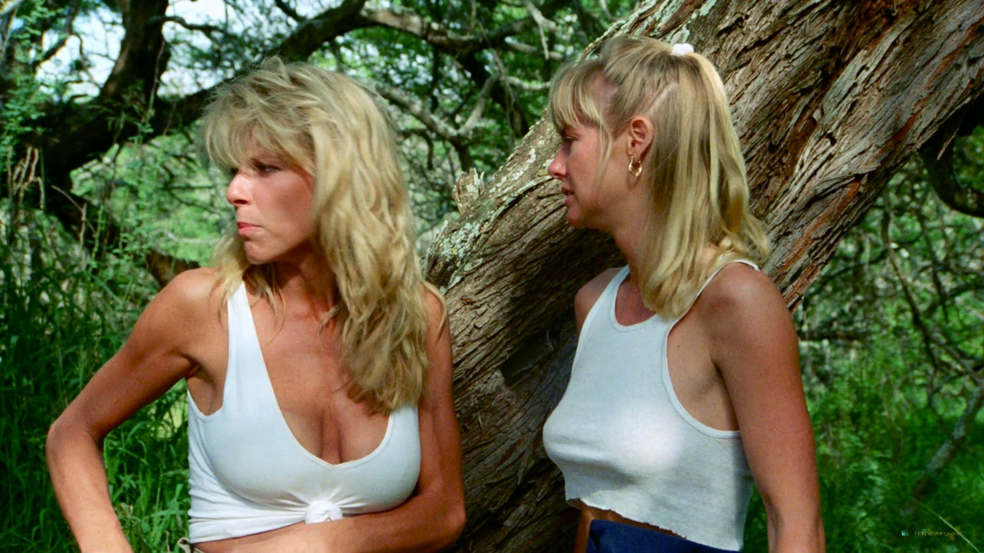 Hope Marie Carlton nude bush Teri Weigel sex in the car Maxine Wasa and other's nude - Savage Beach (1989) HD 1080p BluRay (36)