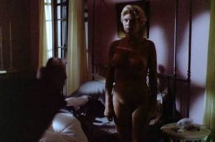 Kelly McGillis nude full frontal and sex – Cat Chaser (1989)