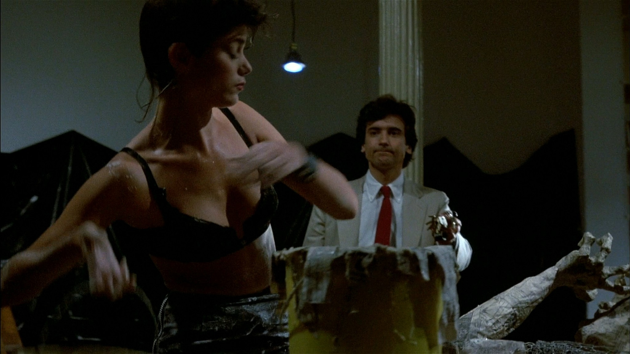 Linda Fiorentino nude Rosanna Arquette hot and sexy - After Hours (1985) HD 1080p BluRay (13)