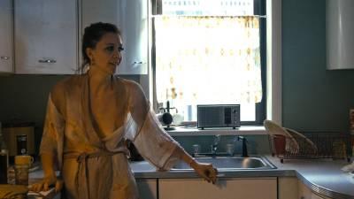 Margarita Levieva nude hot sex Maggie Gyllenhaal see through - The Deuce (2017) s1e3 HD 720 -1080p (3)
