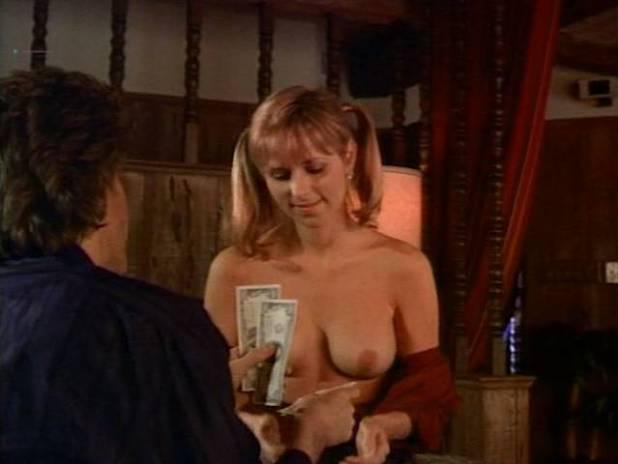 Karen Newman  nackt