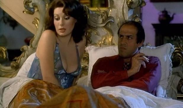 Edwige Fenech nude brief topless - Asso (IT-1981) HD 1080p BluRay (12)