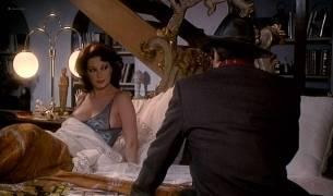Edwige Fenech nude brief topless - Asso (IT-1981) HD 1080p BluRay (9)