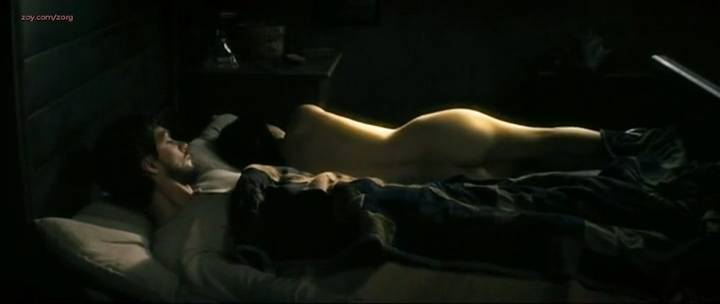 Laurence Leboeuf nude butt topless and sex - Le torrent (FR-2010) (7)