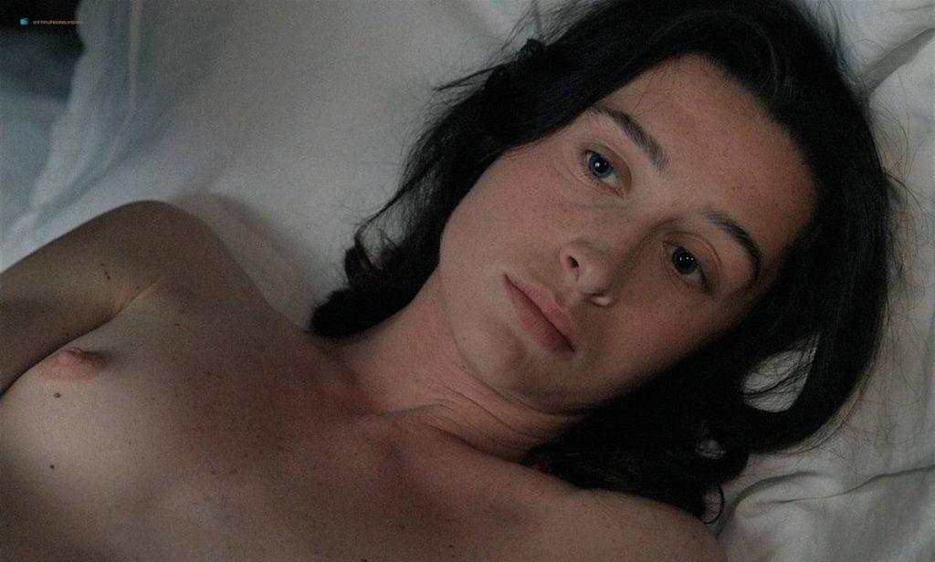 Anne Brochet nude full frontal and Carole Richert nude bush - Tous Les Matins Du Monde (FR-1991) HD 720p BluRay (6)