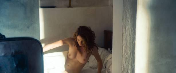Maresi Riegner nude full frontal Larissa Breidbach nude bush Valerie Pachner nude - Egon Schiele: Tod und Mädchen (AT-2016) HD 1080p BluRay (3)