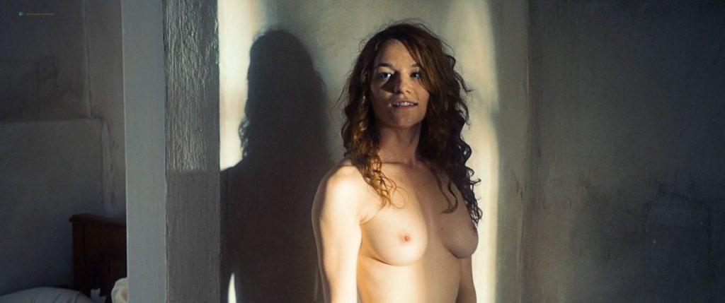Maresi Riegner nude full frontal Larissa Breidbach nude bush Valerie Pachner nude - Egon Schiele: Tod und Mädchen (AT-2016) HD 1080p BluRay (2)