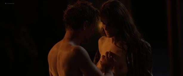 Michelle Dockery nude topless - Godless (2017) S1 HD 1080p Web (4)