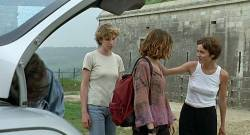 Alexia Stresi nude topless Lou Doillon and Elise Perrier - Trop (peu) d'amour (FR-1998) (6)