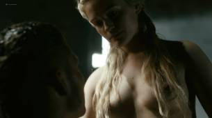 Alicia Agneson nude butt naked and some nipples - Vikings (2017) s5e3 HD 1080p Web (4)