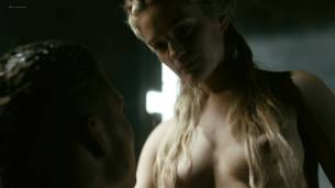 Alicia Agneson nude butt naked and some nipples - Vikings (2017) s5e3 HD 1080p Web (3)
