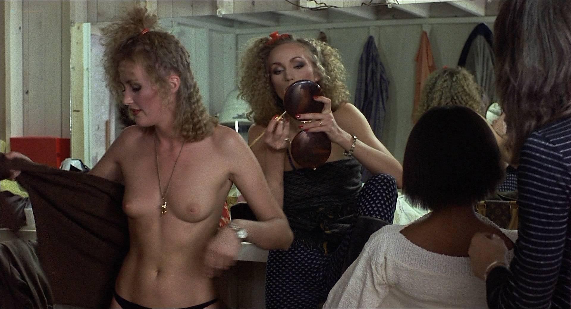 Darlanne Fluegel nude topless Lisa Taylor and Rita Tellone nude topless too - Eyes of Laura Mars (1978) HD 1080p BluRay (7)