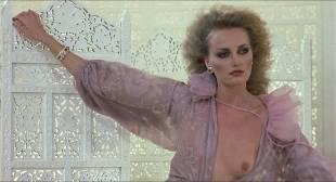 Darlanne Fluegel nude topless Lisa Taylor and Rita Tellone nude topless too - Eyes of Laura Mars (1978) HD 1080p BluRay