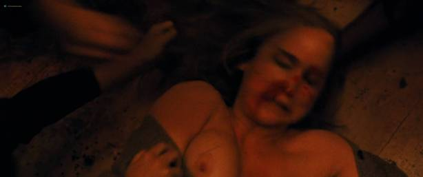 Jennifer Lawrence nude topless and Michelle Pfeiffer hot - Mother! (2017) HD 1080p Web (4)