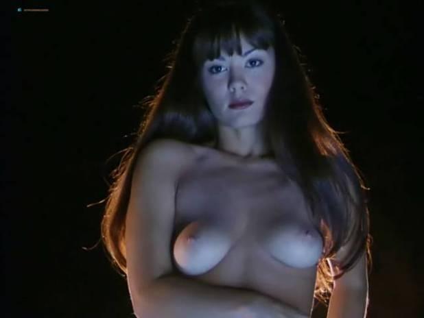 Kathleen Bradley  nackt