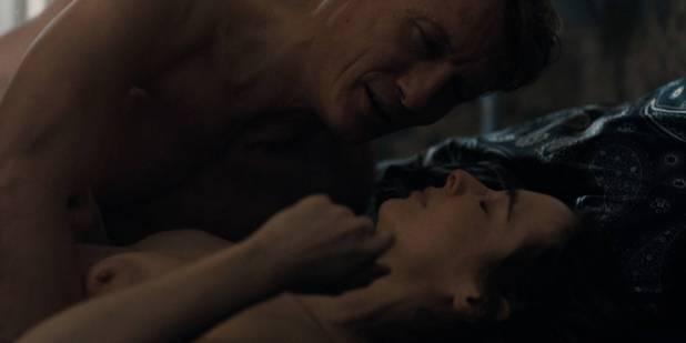 Maja Schöne nude sex Deborah Kaufmann topless Gina Alice Stiebitz nude - Dark (2017) s1 HD 1080p Web (10)