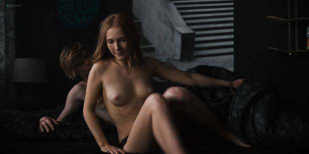 Maja Schöne nude sex Deborah Kaufmann topless Gina Alice Stiebitz nude - Dark (2017) s1 HD 1080p Web (3)