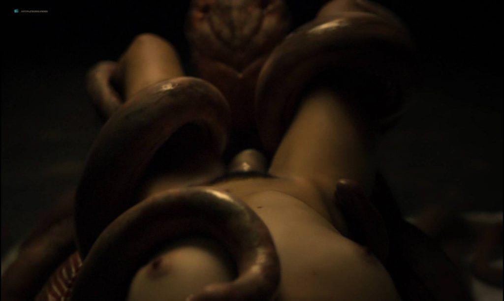 Simone Bucio nude bush and Ruth Ramos nude bush and sex - The Untamed (MX-2016) HD 1080p BluRay (7)