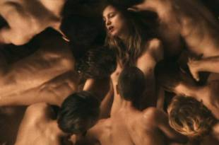 Blake Lively nude boobs, butt in shower and hot sex – All I See Is You (2016) HD 1080p
