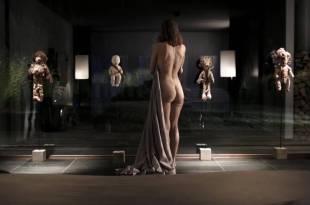 Isild Le Besco nude butt – Les brigands (FR-2014) HDTV 720p