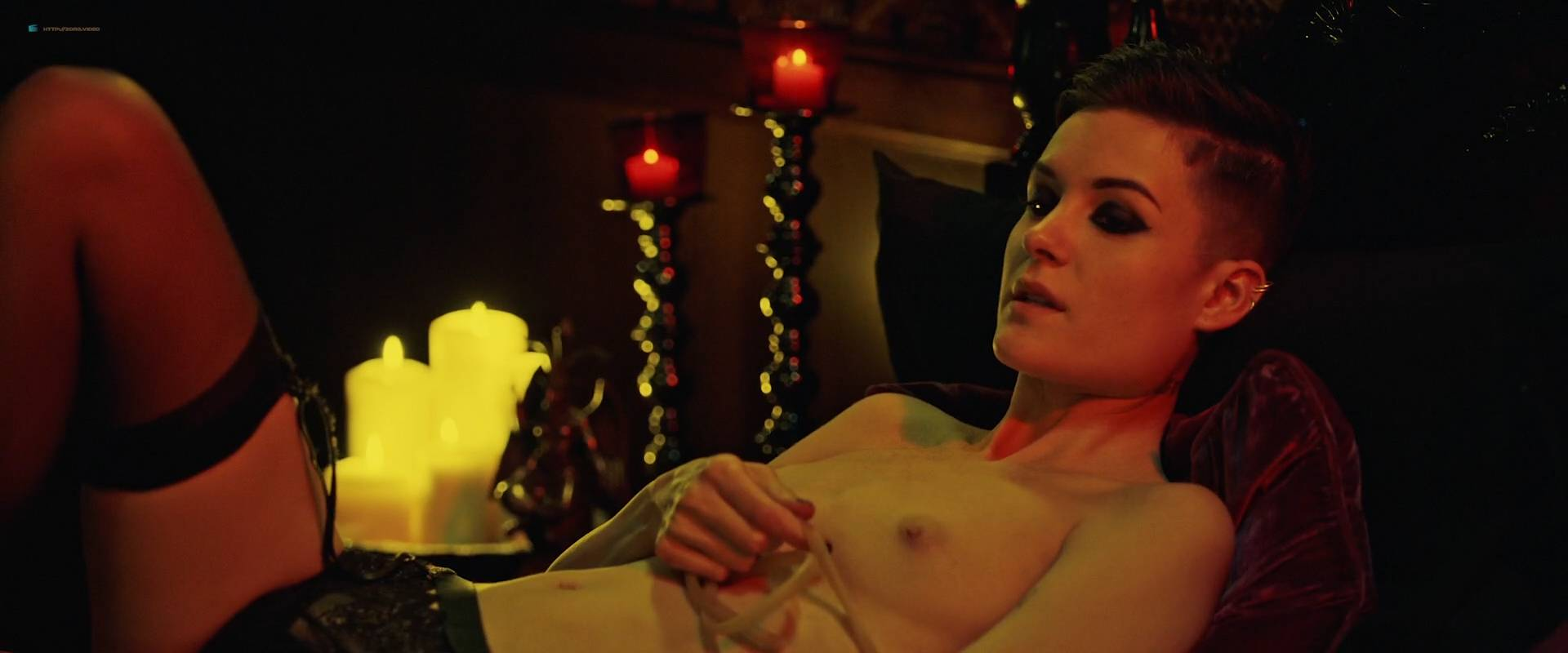 Jesse Sullivan nude topless Cortney Palm and others nude topless too - American Satan (2017) HD 1080p Web (8)