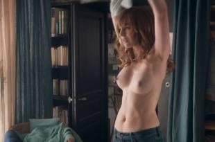 Louise Bourgoin nude topless- L'un dans l'autre (FR-2017) HD 1080p Web (2)