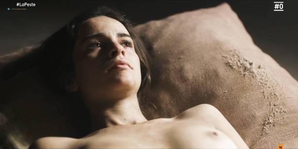 Patricia López nude full frontal Cecilia Gómez, Lupe del Junco and others nude bush, topless - La peste (ES-2018) s1 HDTV 1080p (7)
