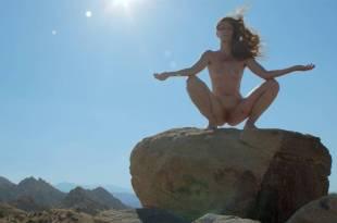 Peaches nude Rya Kleinpeter, Rita D 'Albert nude bush, explicit, piss, shemale - Rub (2015) HD 1080p (19)