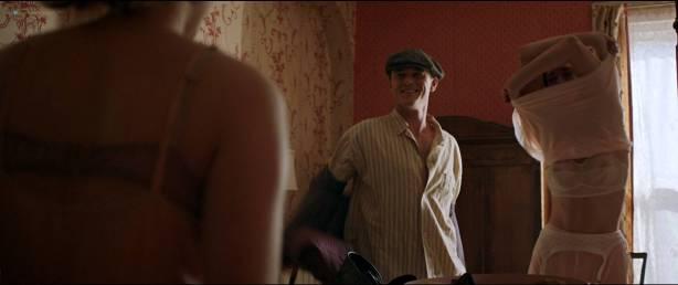 Rebecca Hall nude topless Bella Heathcote hot sex threesome - Professor Marston And The Wonder Women (2017) HD 1080p (5)