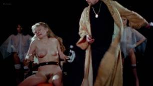 Viju Krem nude full frontal Arlana Blue, Jennifer Stock and others nude bush - Bloodsucking Freaks (1976) HD 1080p BluRay (16)