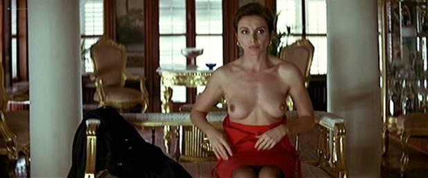 Ana Belén nude bus and sex - La pasión turca (ES-1994) (2)