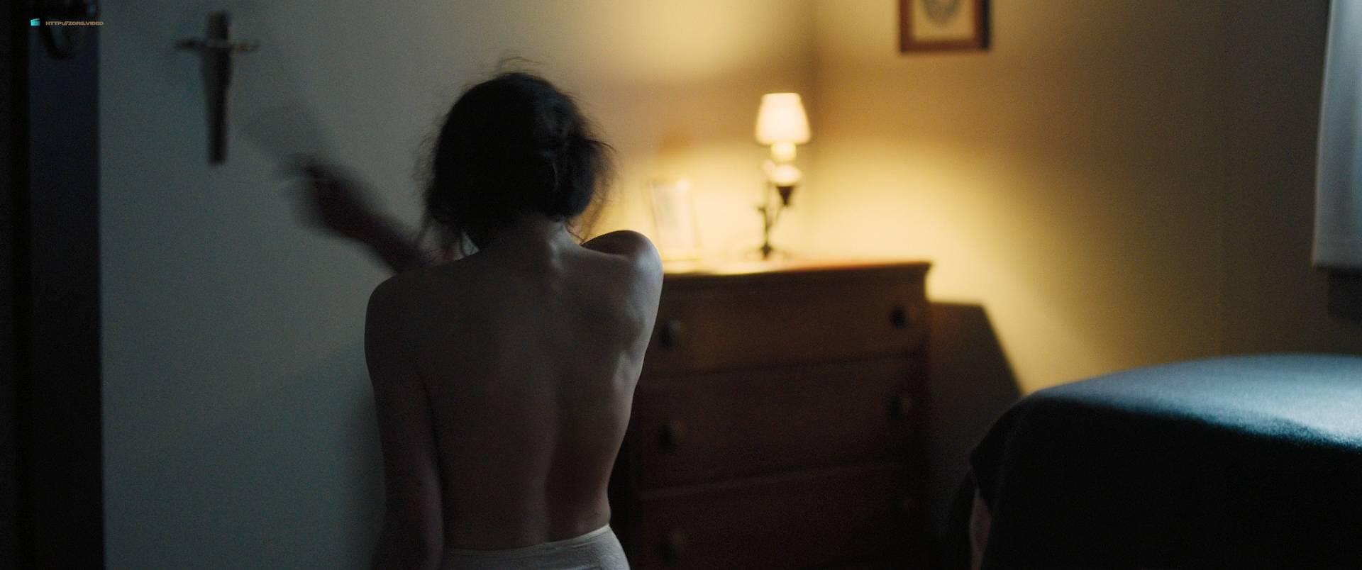 Margaret Qualley nude topless if her in brief scene - Novitiate (2017) HD 1080p BluRay (7)