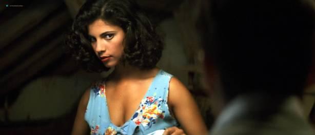 Maribel Verdú hot sex Ariadna Gil brief topless Penélope Cruz hot - Belle époque (ES-1992) HD 1080p (13)