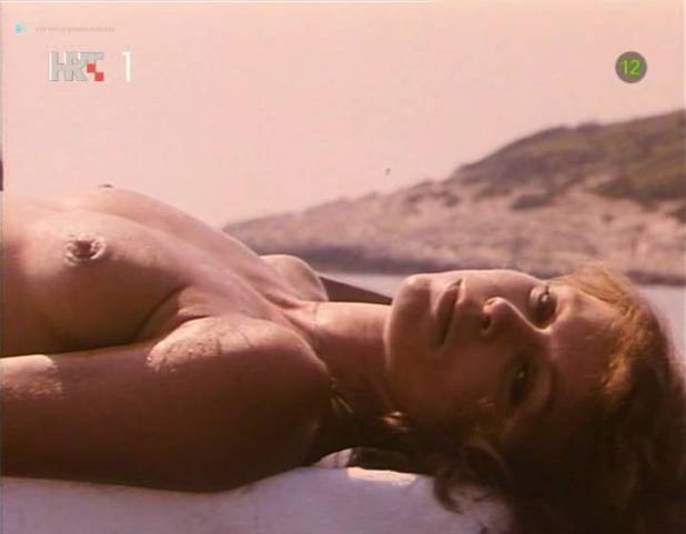 Neda Arneric nude sex on the beach - Haloa - praznik kurvi (YU-1988) (11)