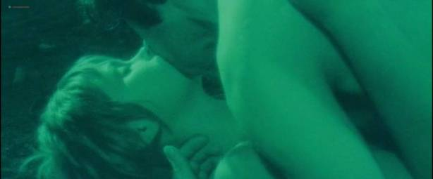 Neda Arneric nude skinny dipping and some sex - Venom (DE-1971) (3)
