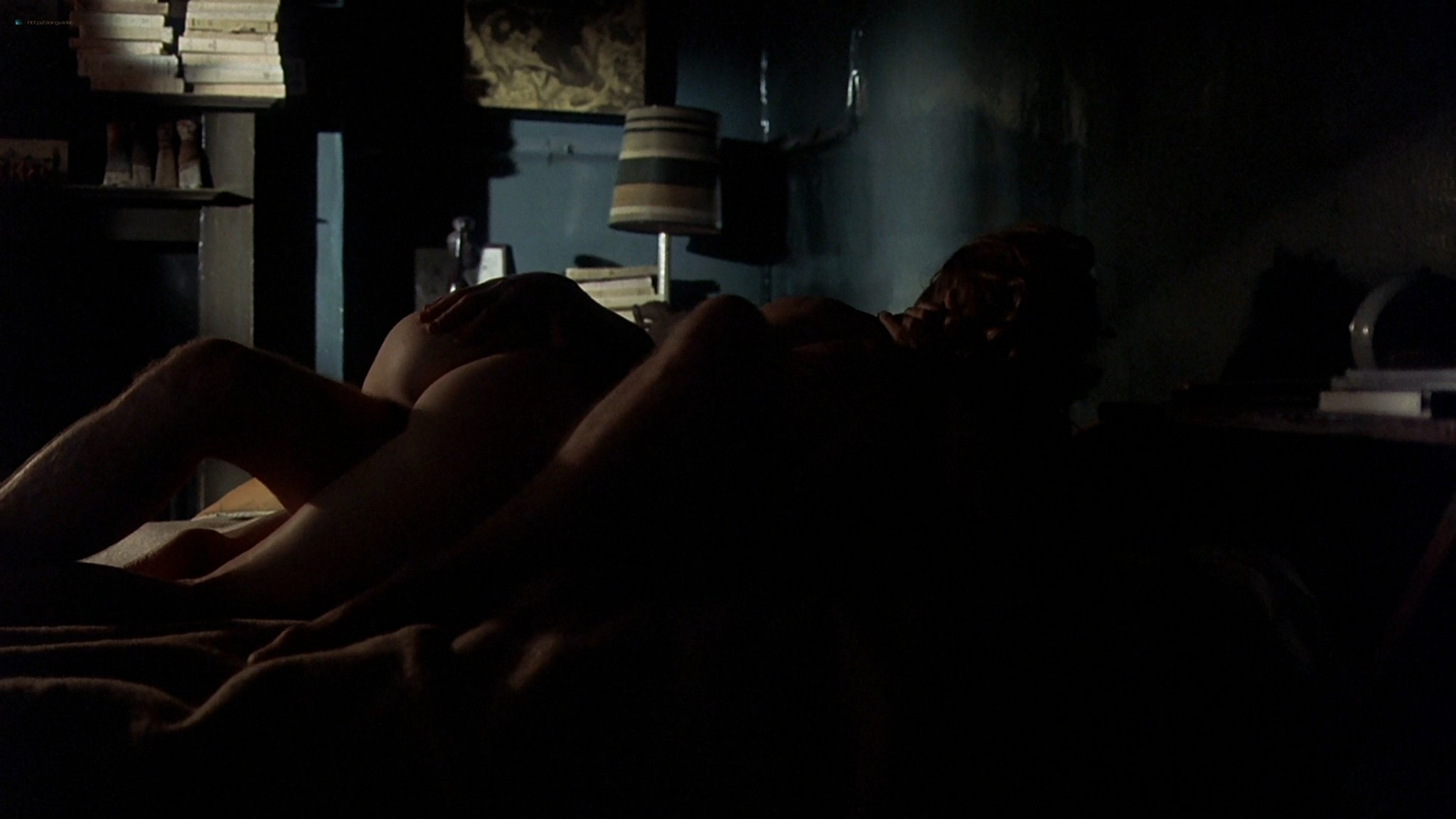 Gwyneth Paltrow nude topless and sex– Sylvia (2003) HD 1080p Web-DL (38)