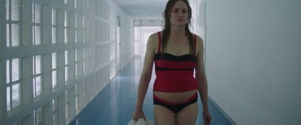 Julia Jentsch nude bush and butt others nude - 24 Wochen (DE-2016) HD 720p BluRay (9)