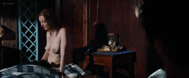 Sofía Vergara hot and side boob Violet Patton-Ryder and Nuria Tomás nude topless- Bent (2018) HD 1080p Web (11)
