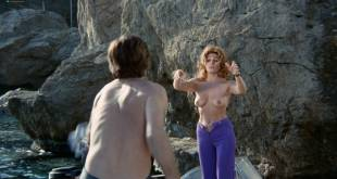 Analía Gadé nude butt and sex Rosanna Yanni topless sex threesome - El ojo del huracán (SP-1971) (5)