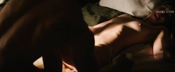 Dakota Johnson nude topless and lot of sex - Fifty Shades Freed (2018) HD 1080p (12)